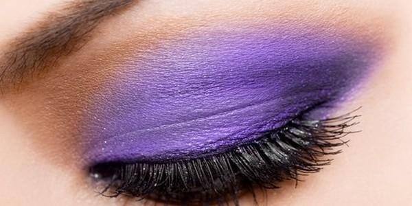 Jak zrobić makijaż ślubny z fioletowym smoky eyes?